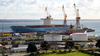 Container ship 'Finnlandia' at Damen Shiprepair Dunkerque