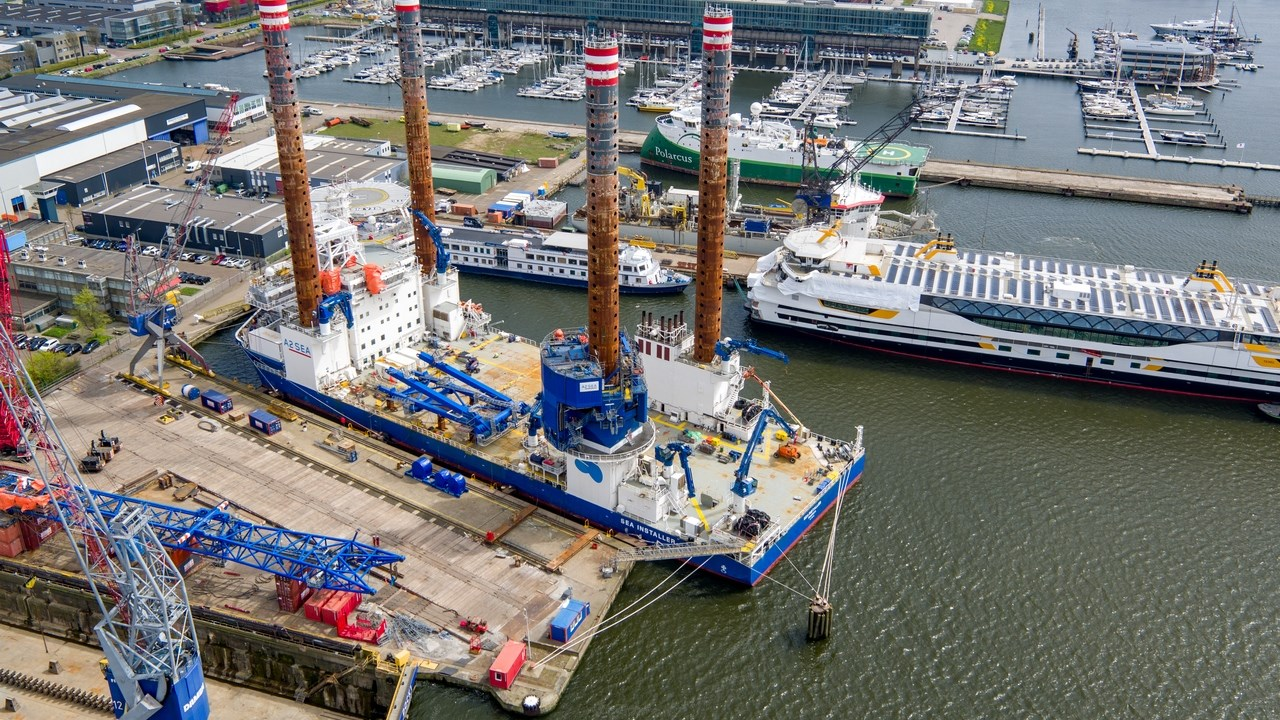 "Damen Shiprepair Amsterdam - ""Sea Installer"""