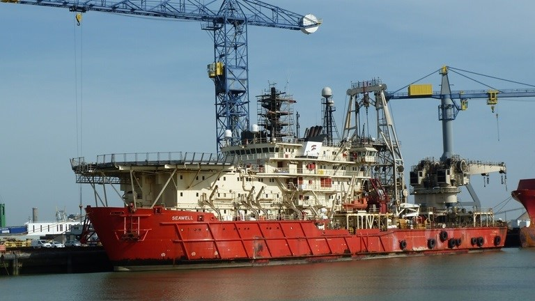 Damen Shiprepair Vlissingen (DSV) has offered their covered dry-dock with a 300 tons overhead crane