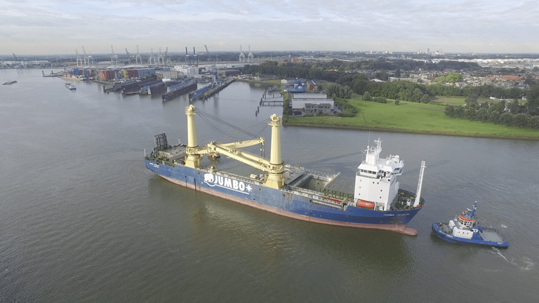 'Jumbo Javelin' a DP2 Heavy Lift Crane Vessel owned and operated by long-standing Damen client Jumbo