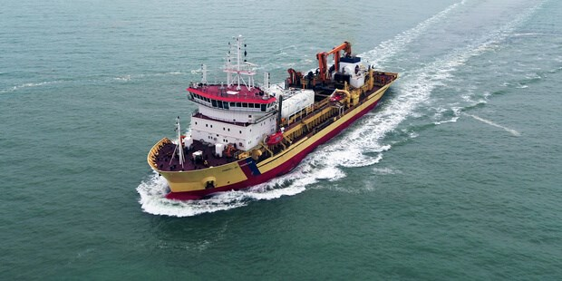 First European conversion of a dredger to dual-fuel LNG / MGO