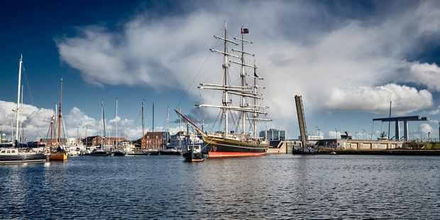 Stad Amsterdam's visit to Den Helder will coincide with the city's Traditional Ship Festival, during which she will be visible to visitors.