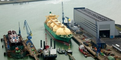 Complete repair of the engine room for tanker 'LNG Adamawa' at Damen Shiprepair Vlissingen