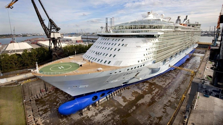 Maintenance for cruise vessel 'Oasis of the Seas'
