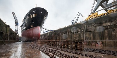 amen Shiprepair Amsterdam had the opportunity to dock two stern trawlers simultaneously in dock no.3 and 4
