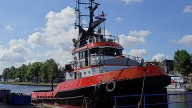 Other jobs included cleaning and painting the tug under and above the waterline