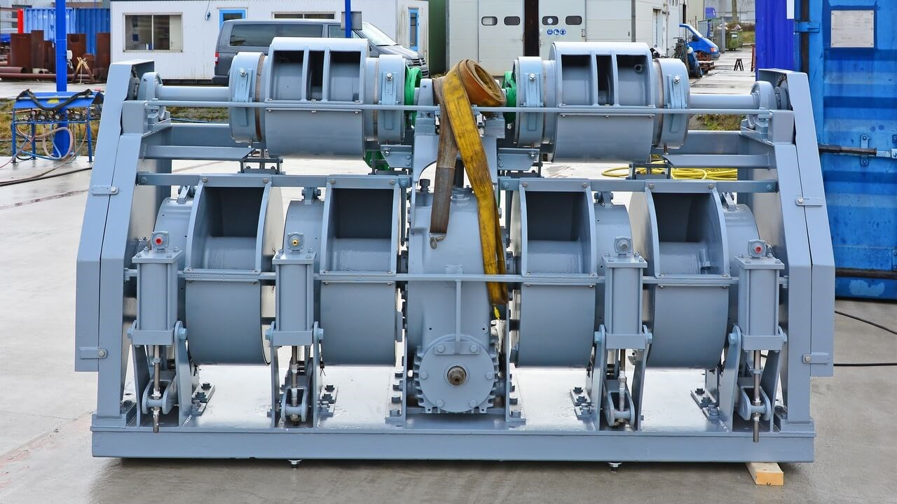 The winches are designed and engineered by the shipyard to the highest offshore standards