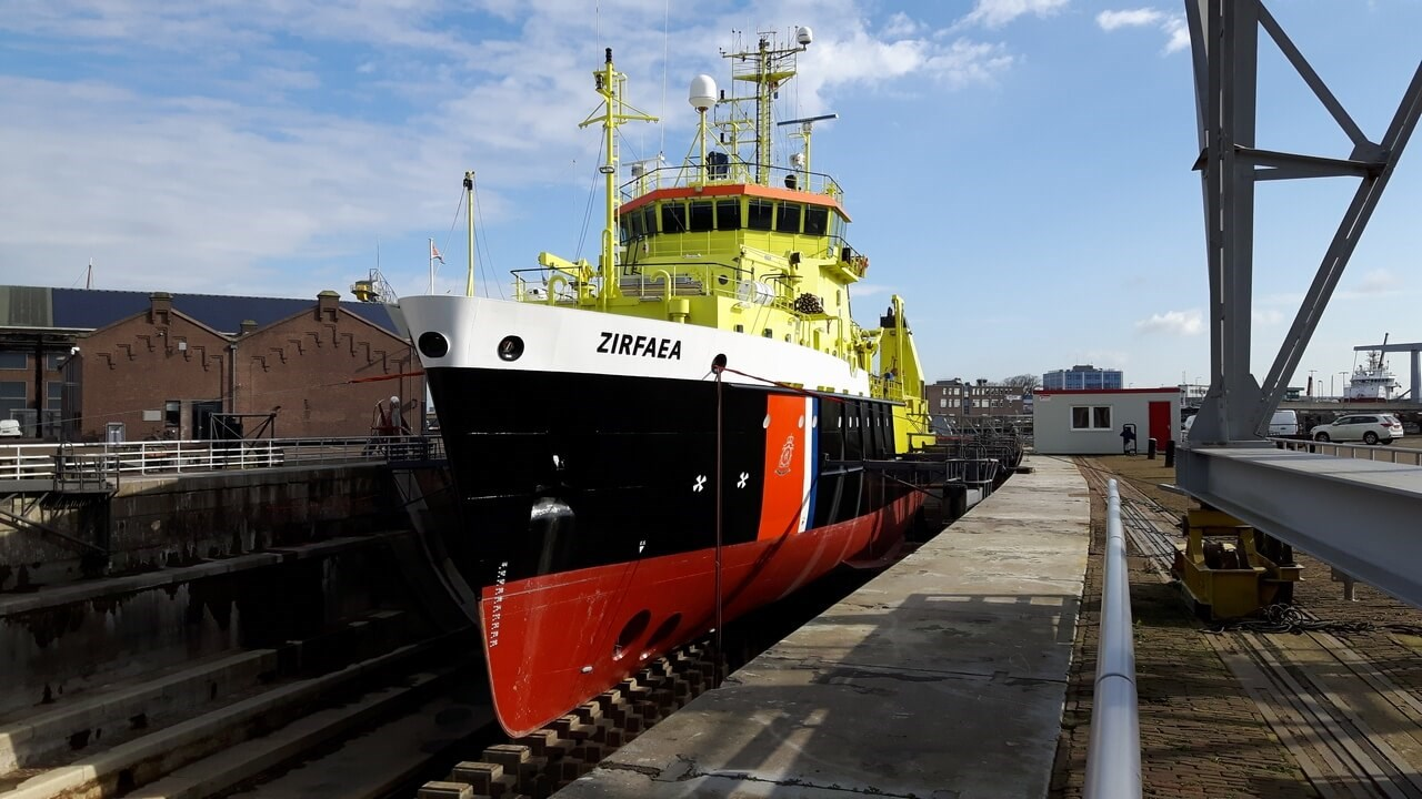 Damen Shipyards Den Helder included maintenance on the extensive steel piping system