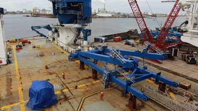 Fitting the larger crane of 'Sea Installer'