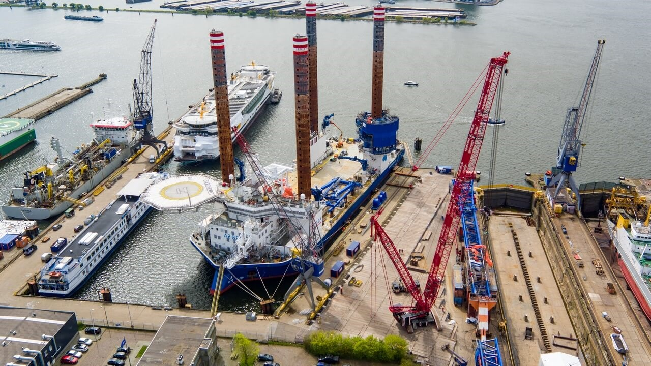 Jack-Up vessel 'Sea Installer' conversion at Damen Shiprepair Amsterdam