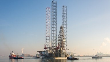 Jack-up drilling rig  'Ensco 122' at DSVl for special periodic survey