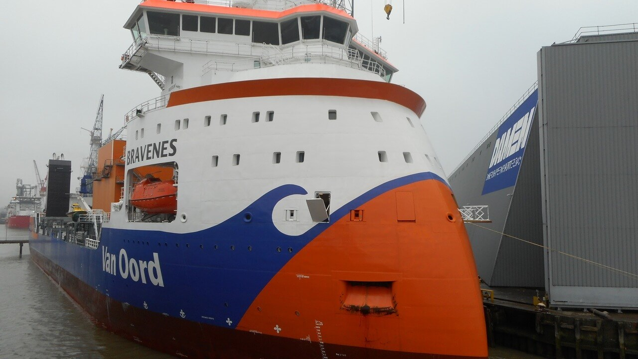 The vessel is designed to install a wide range of rock sizes to protect pipelines, cables and other seabed structures.
