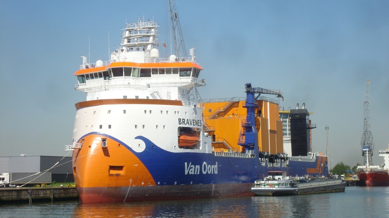 The vessel is outfitted for year-round operations in adverse weather and high-sea conditions.