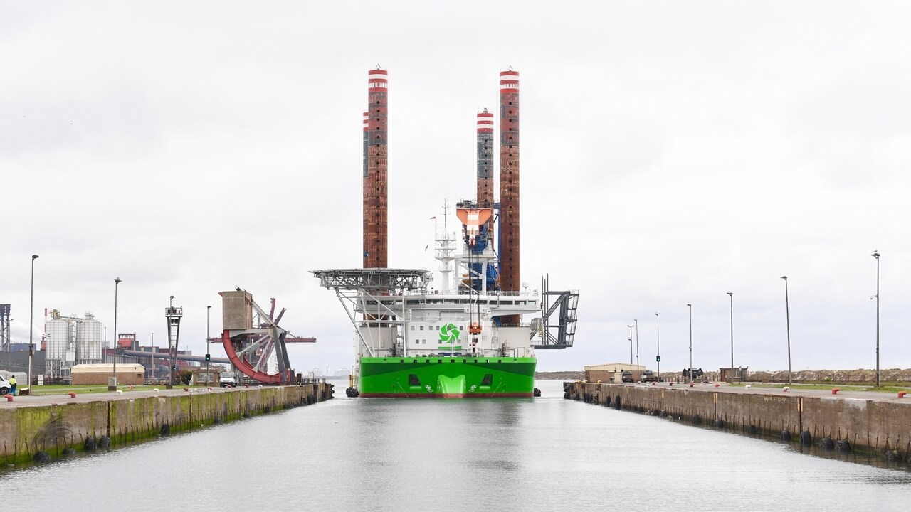 Wind farm jack-up rig 'Sea Installer'