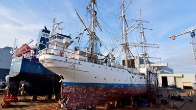 The Norwegian-flagged, 63-metre, three-masted vessel is over eighty years old and leads a busy life as a training ship for young Norwegians, as well as undertaking cruises and races with paying guests
