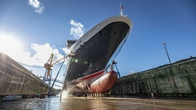 The 92,000 GT Vista-class Queen Elizabeth, came to Damen Shiprepair Brest (DSBr) for a 12-day repair and refit programme.