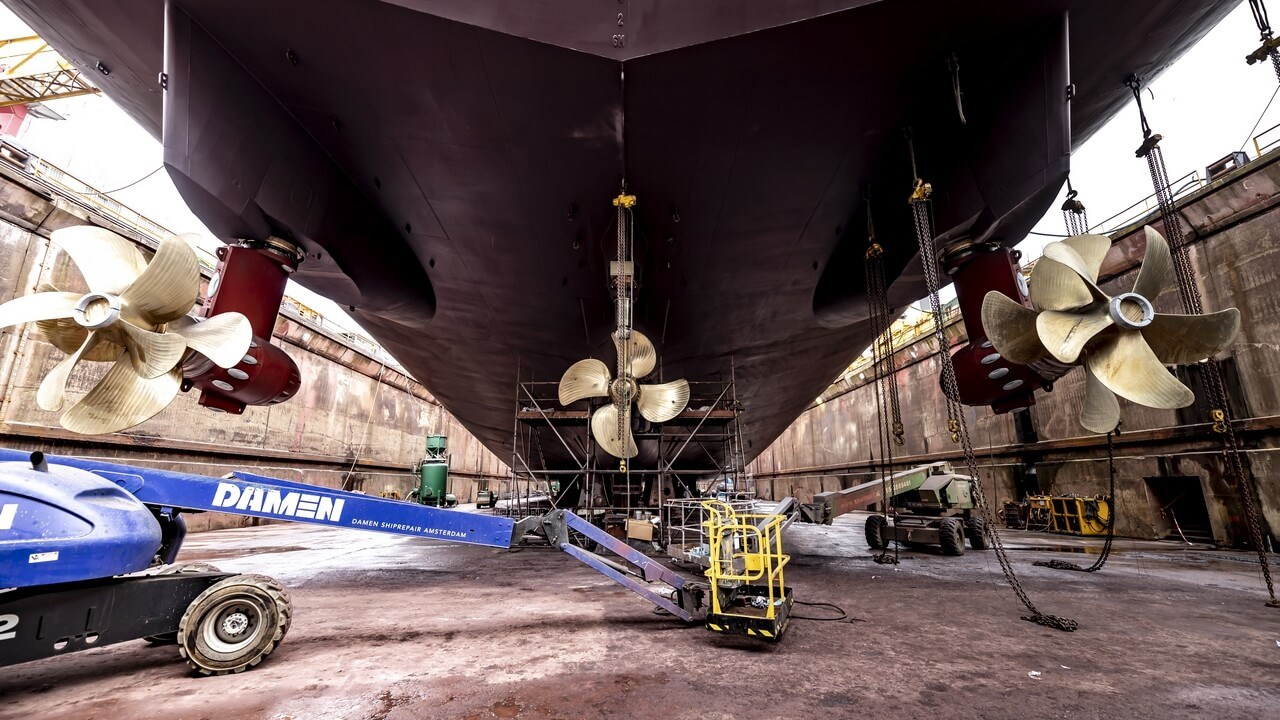 "Maintenance programme for Offshore Support Vesel ""Deep Arctic"""