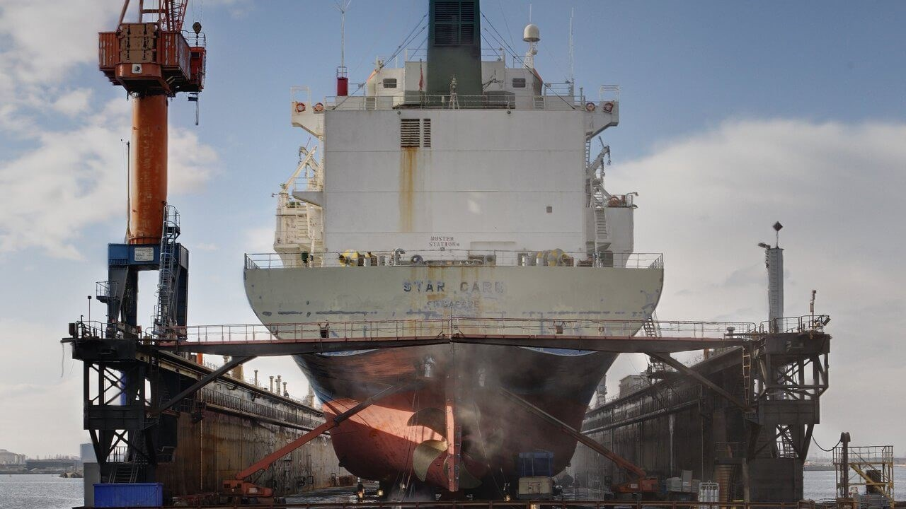 "Damen Shiprepair Dunkerque ""Star Care"""